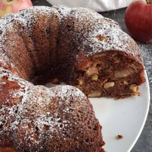 Old Fashioned Apple Cake with Walnuts