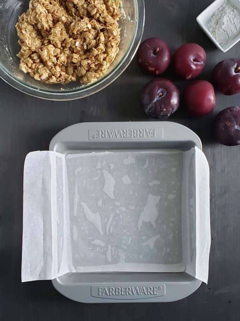 9x9 pan lined with parchment paper